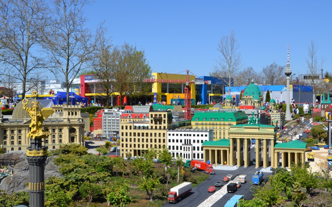 Au milieu des petites briques emboîtables… notre journée à Legoland !