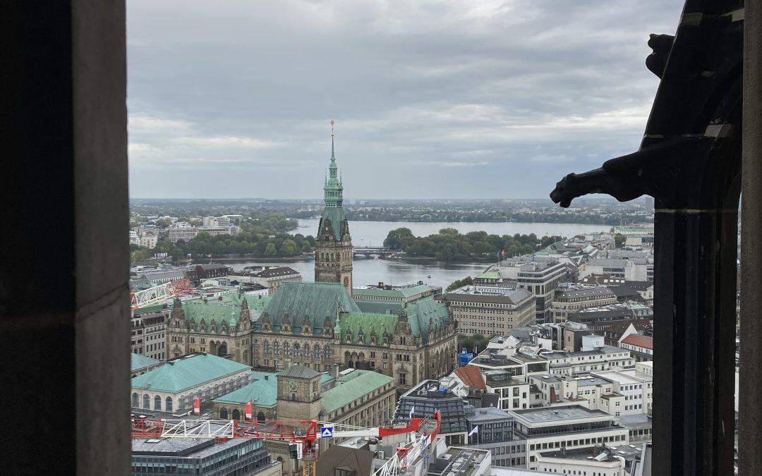 Admirer Hambourg à 76 mètres de hauteur !