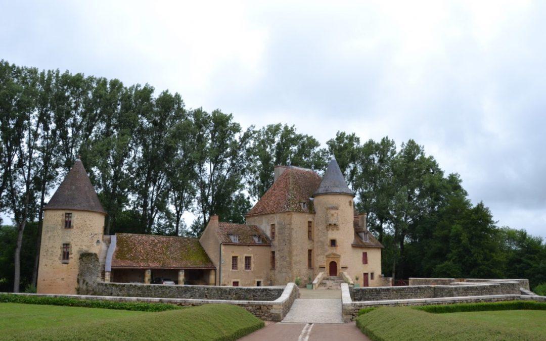 Le château d'Anizy (Nièvre) : un superbe cadre pour des fêtes familiales